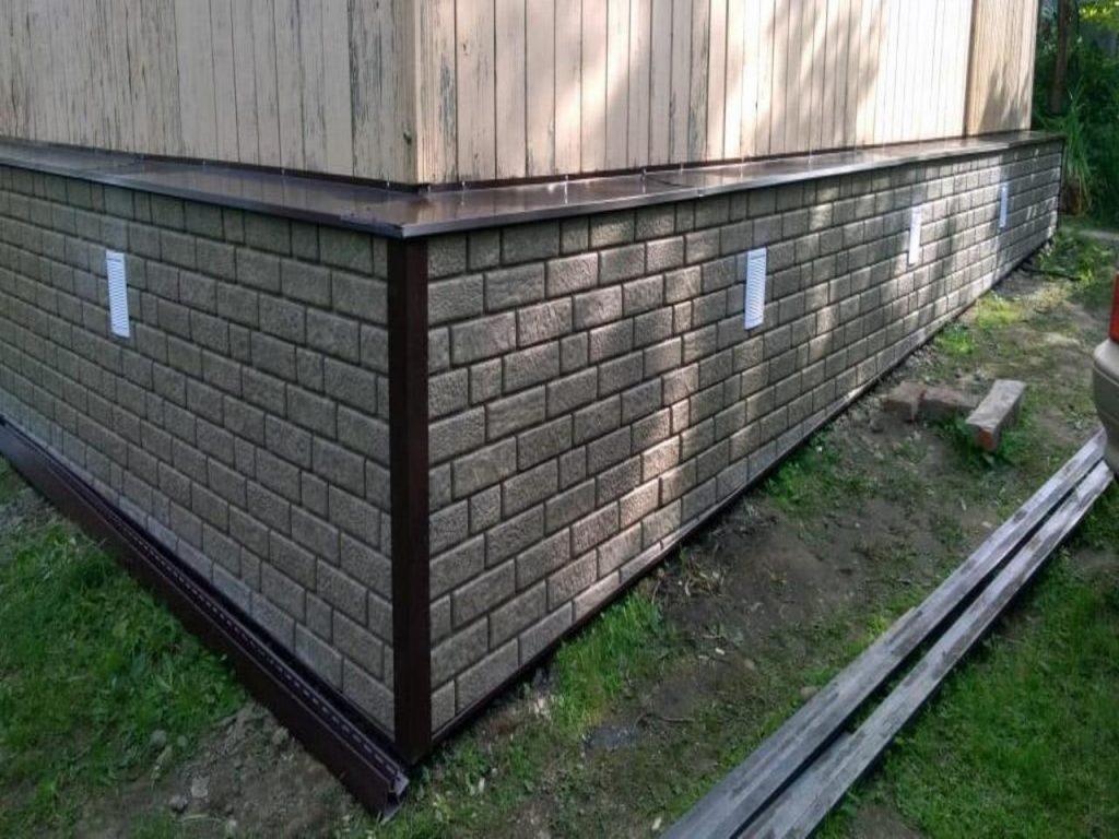 монтаж цокольных панелей